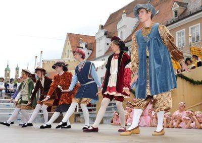 Einmarsch der Gruppen und Tänze: Herzog Ernst Tanz