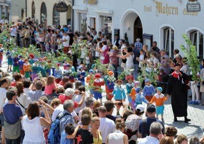 Großer historischer Festzug durch die Altstadt: Ruethenknaben