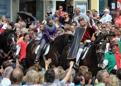 Großer historischer Festzug durch die Altstadt: Kaiser