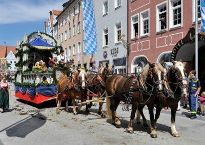 Historischer Festzug am Sonntag: Spitalstiftungswagen