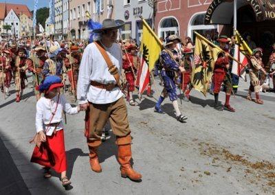 Historischer Festzug am Sonntag: Landsknechte