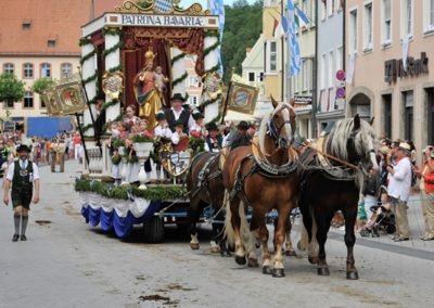 Historischer Festzug am Sonntag: Bayernwagen