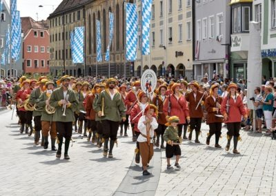 Festumzug am Hauptplatz: