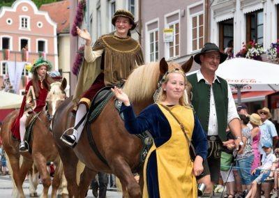 Festumzug am Hauptplatz: Reiter vom Kaiser Ludwig der Bayer