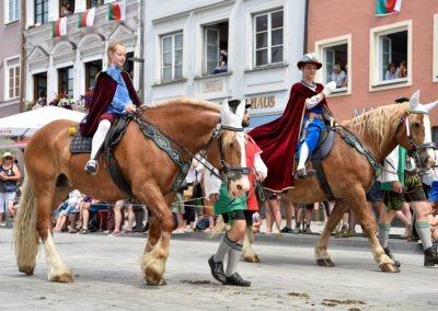 Festumzug am Hauptplatz: Kaiser Ludwig der Bayer (Nikolaus Montag, 15)